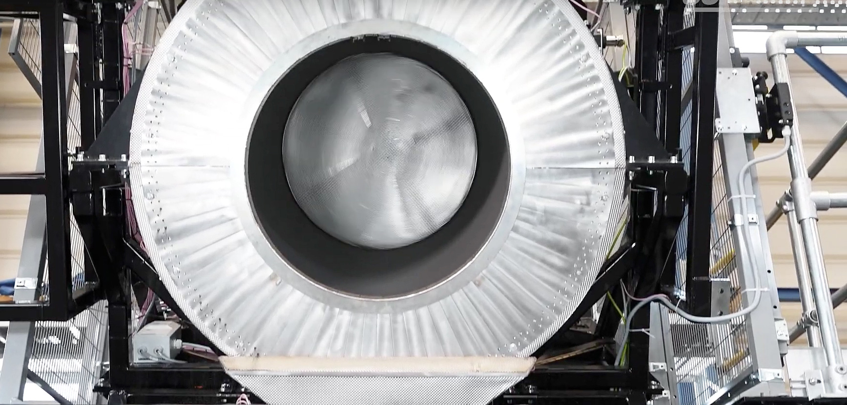 HelioHeat & Schwarz baute CentRec® – ein neuartiger Receiver für Solarkraftwerke